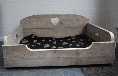 hondenbank hart steigerhout